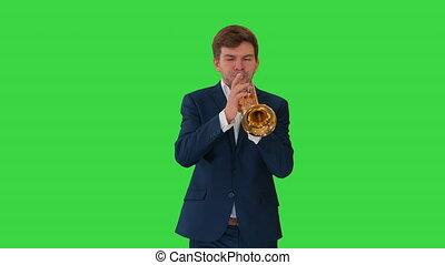 jouer, key., trompette, jeune, quoique, écran, procès vert, marche, homme, chroma