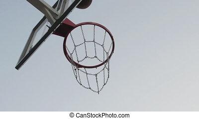 jouer, outdoors., disparu, séance entraînement, court., panier, homme, trains, sport, succès, basket-ball, motivation, jeune, ring., joueur, sauter