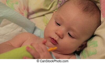 jouet, met, sien, bouche, bébé, five-month