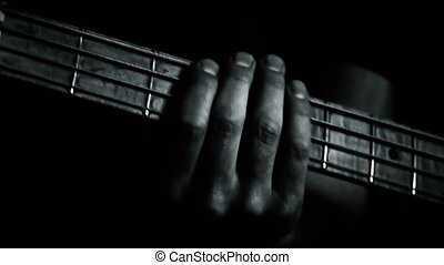 joueur guitare, exécuter, basse, étape