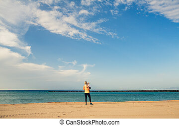 jouir de, garçon, mère, bébé, plage, levers de soleil