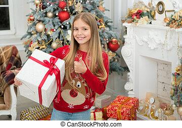 jouir de, winter., peu, shopping., noël, famille, enfant, arbre, year., présente., holiday., secret., ligne, xmas., nouveau, girl, heureux, matin, noël, avant
