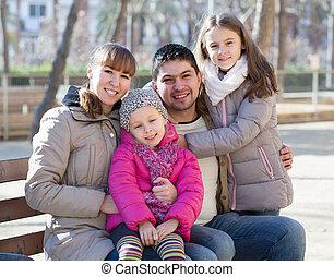 jour famille, deux, dehors, automne, filles, ensoleillé