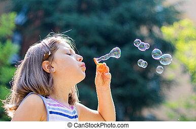 jour, savon, souffler bouillonne, ensoleillé, girl, parc