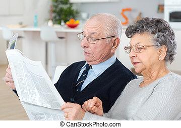 journal, couple, personnes agées
