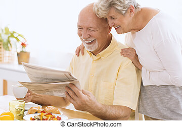 journal, personne agee, lecture, épouse