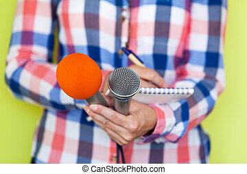 journalist., ニュース, microphones., conference.
