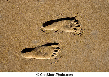 Journey Traces in the Sand
