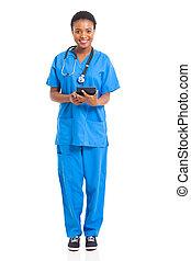 jovem, africano, enfermeira, com, tabuleta, computador