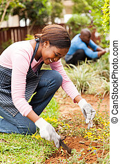 jovem, africano, menina, jardinagem