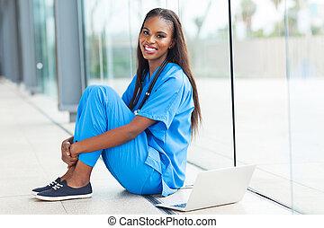 jovem, americano africano, doutor