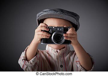 jovem, aperte fotógrafo