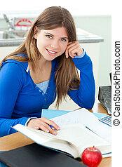 jovem, attrative, menina, estudar