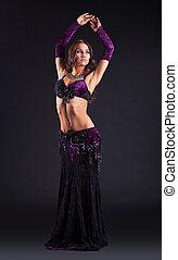 jovem, beleza, mulher, posar, em, árabe, dança