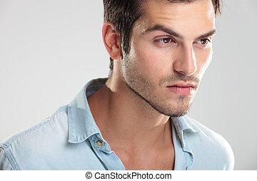 jovem, casual, homem, em, camisa azul