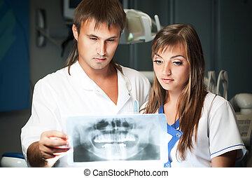 jovem, clínica, olhar, dental, par, quadro, mulher homem