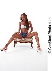 jovem, denim, africano-americano, preto étnico, mulher, shorts, excitado