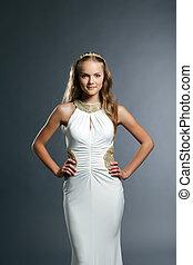 jovem, elegante, posar, modelo, vestido, refinado