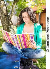 jovem, estudante, estudar, em, a, escola, jardim