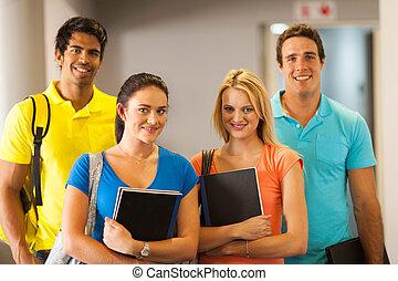 jovem, estudante universidade, ligado, campus