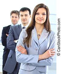 jovem, mulher negócio, com, dela, equipe, em, a, experiência.