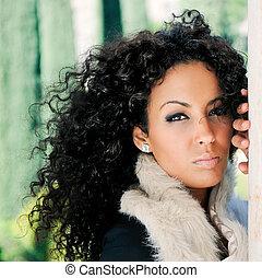 jovem, mulher preta, modelo, de, moda