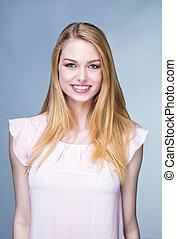 jovem, mulher sorridente, retrato