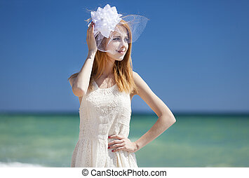 jovem, noiva, praia