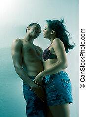 jovem, par preto, homem mulher, apaixonadas