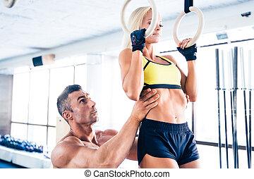 jovem, sporty, mulher, malhação, ligado, condicão física, anéis