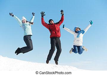 jovem, três, inverno, pular, pessoas