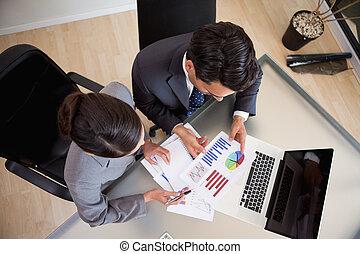 jovem, vendas, pessoas, estudar, estatísticas