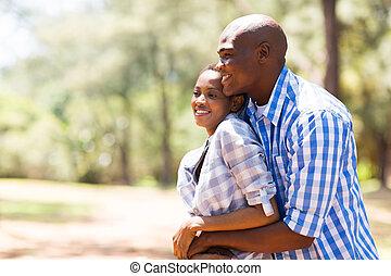 joven, africano, pareja, en, el, parque