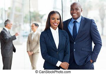 joven, americano africano, businesspeople