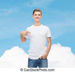 joven, camiseta, blanco, sonriente, blanco, hombre