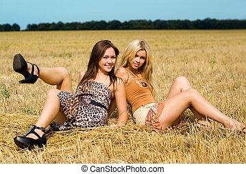 joven, dos mujeres