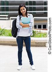 joven, estudiante de la universidad, en, campus