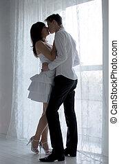 joven, feliz, besar, pareja, amor