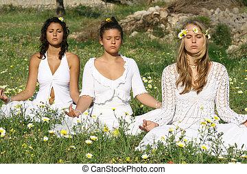joven, hippies, hacer, yoga, o, meditación
