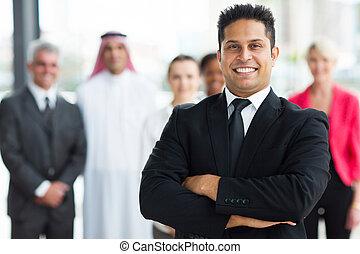 joven, indio, hombre de negocios
