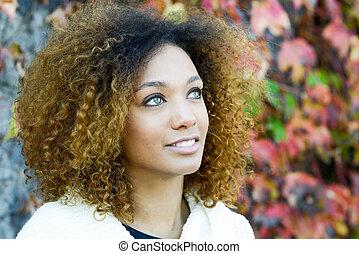 joven, muchacha americana africana, con, afro, peinado, y,...