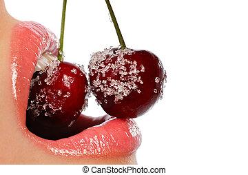 joven, mujer, boca, con, rojo, cerezas, cubierto, con, azúcar