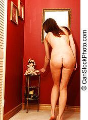 joven, mujer desnuda, para, rojo