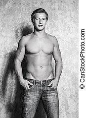 joven, muscular, desnudo, posar, sexy, macho, torso, hombre