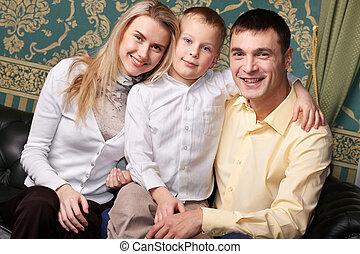 joyeux, famille