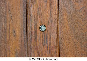 judas dans les centre de les bois door. & Judas door. Modifié tonalité elle door. photo. regarder ...