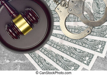 judiciaire, concept, 1, police, juge évaluation, factures, impôt, ou, tribunal, nous, menottes, dollar, marteau, desk., bribery., action éviter
