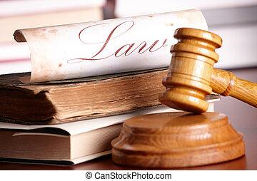 jueces, martillo, con, muy, libros viejos
