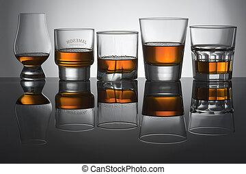 juego, de la luz, y, colores, en, anteojos, de, whisky