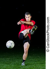 jugador del fútbol, en, un, tiro